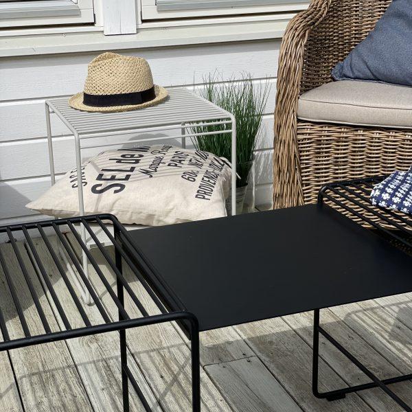 Utomhuspall och utomhusbord (1)
